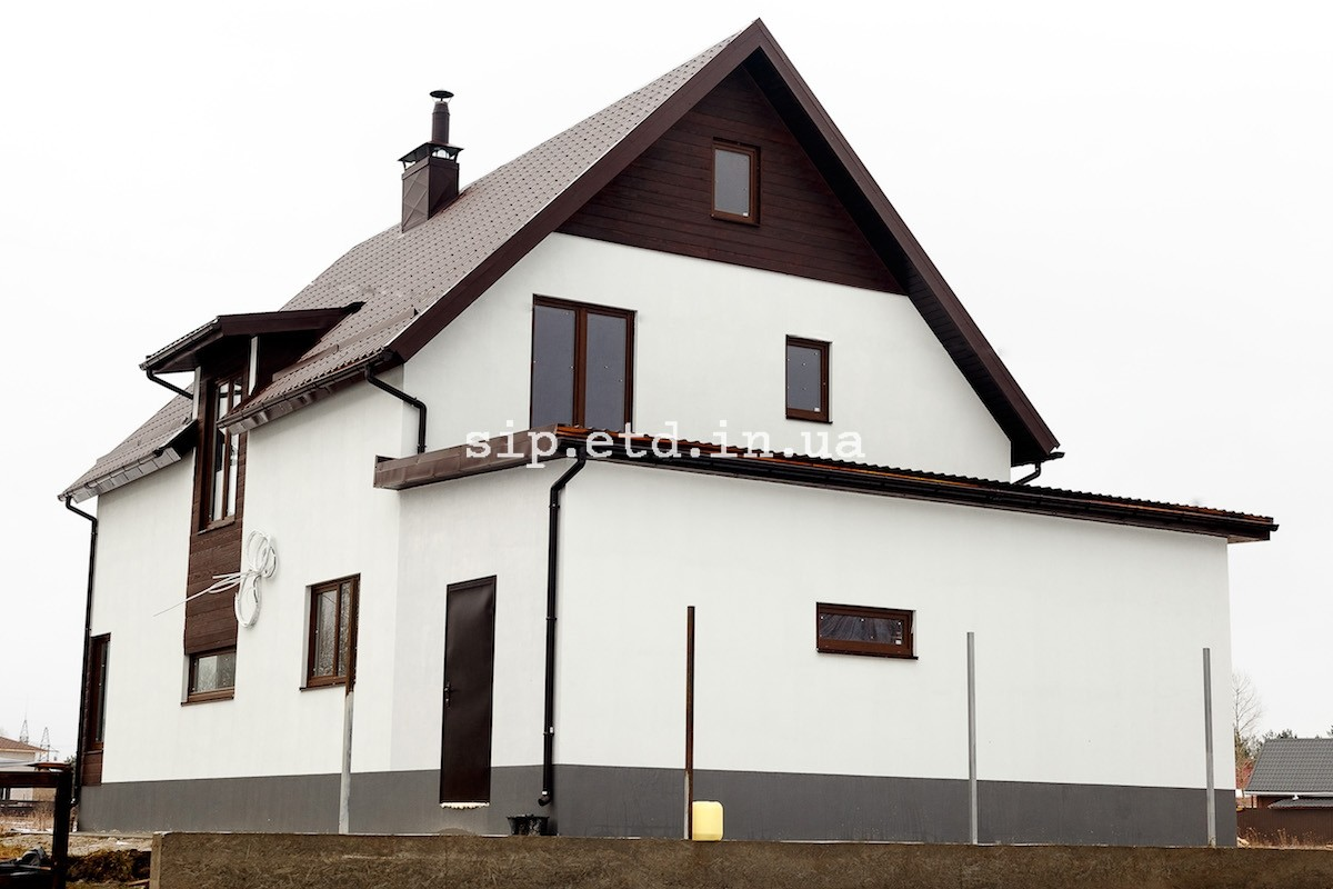 Гараж пристроен к дому - все из сип панелей