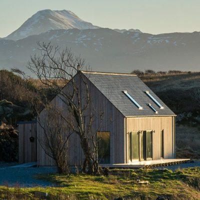 СИП дом с панорамными окнами: общий вид