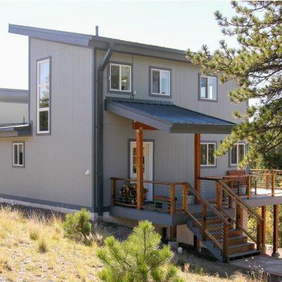 СИП дом на холме: общий вид