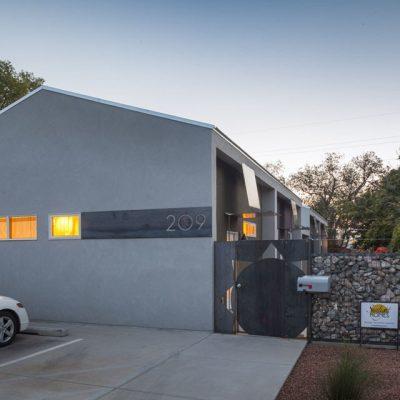 Блочный жилищный комплекс из СИП панелей: парковка