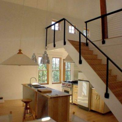 Двухэтажный дом: кухня