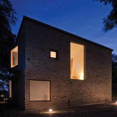 Современный СИП дом: задний фасад